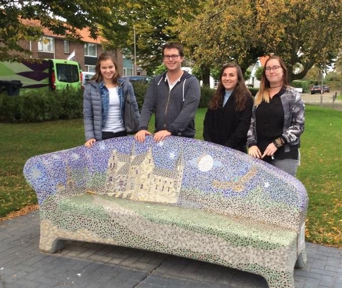 in dialoog met jongeren in 's-Heer Hendrikskinderen: hoe denken zij over de toekomst?
