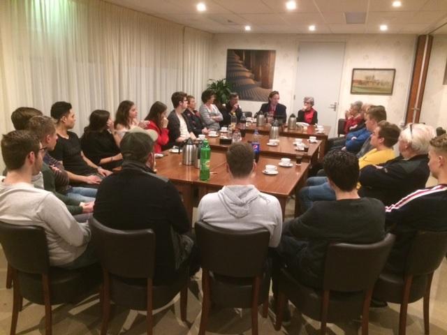 dialoog geopend in 's-Heer Hendrikskinderen met het Gesprek van de Eeuw